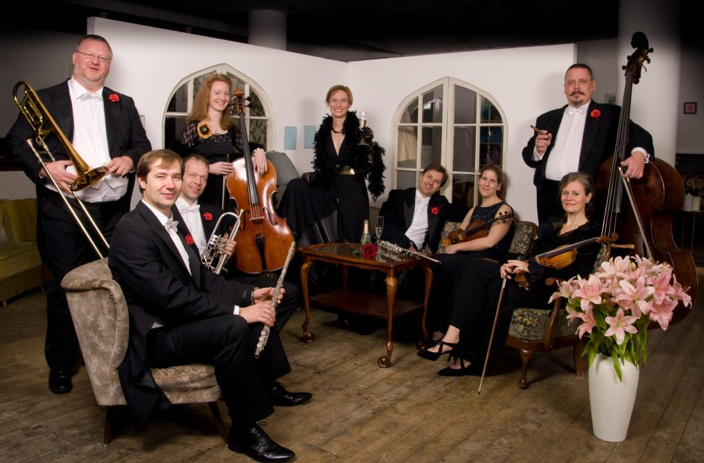 Salonorchester-Rêverie-musicale-Foto-1-1-1024x673
